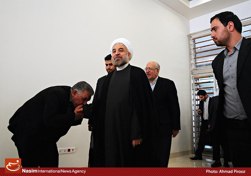 رودان نیوز :  عکس عجیب دیگری از شیخ حسن روحانی!