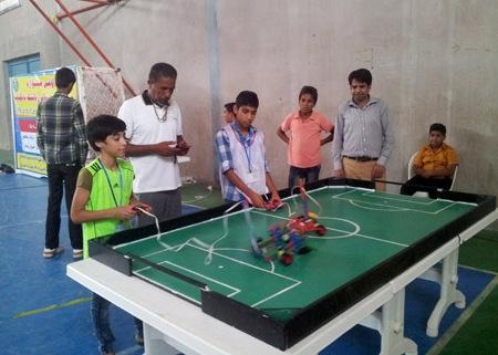 جشنواره مقدماتی رباتیک نادکاپ در رودان برگزار شد