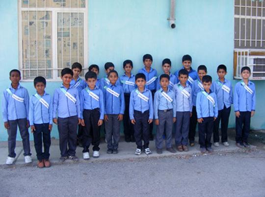 تجلیل دانشآموزان رودانی از فرماندهی و پرسنل انتظامی