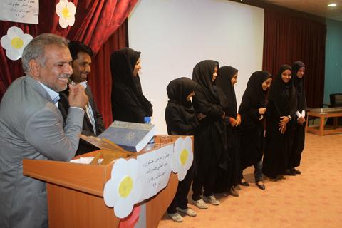 نشست نقد و بررسی فیلمهای جشنواره رشد در رودان برگزار شد