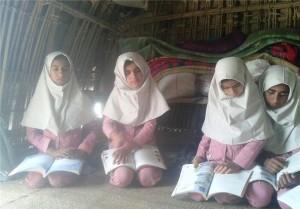 حذف مدارس کپری از شعار تا اسکان در کپر «مشهدی میران» + تصاویر