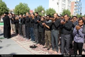 گزارش تصویری / اقامه نماز ظهر عاشورا در رودان