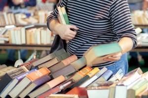 نمایشگاه کتاب در سیریک برپا شد