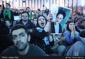 تکرار حوادث سال ۸۸ در روز دانشجو بعد از ۵ سال/ادامه گستاخی ها به ساحت مقدس امام(ره)/انتظار مردم از دولت برای پاسخگویی به مطالباتشان در ۹دی +تصاویر