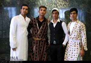 جشنواره لباس محلی ایران در شیراز (عکس)