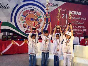 دانش آموزان رودانی از مسابقات جهانی محاسبات ذهنی به کشور بازگشتند