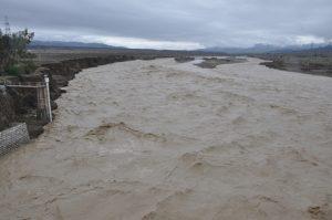 یک روز بارانی به روایت تصویر در رودان