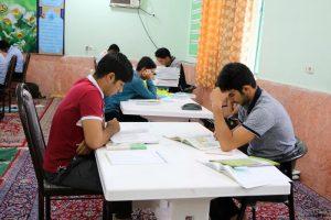 آغاز اعتکاف علمی دانشآموزان شهرستان رودان درتعطیلات نوروز+تصویر