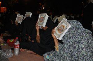 آخرین شب قدر در مرقدامامزاده شاه قطب الدین حیدر رودان +تصویر