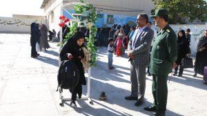 اعزام ۱۷۶ نفر از دانش آموزان رودانی به اردوی راهیان نور +تصویر