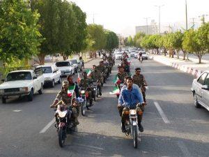 بسیجیان حوزه مقاومت امام جعفرصادق(ع) رژه موتوری رفتند+تصاویر