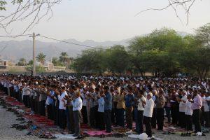 اقامه نماز عیدسعیدفطر در رودان/پایان نامه یک ماه بندگی خالصانه