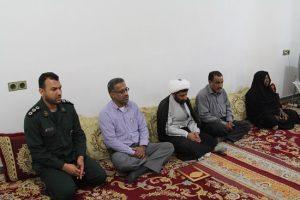 مسئولین با خانواده شهید دانش آموز شیرو داوری دیدار کردند+عکس