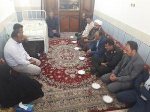 به مناسبت هفته بسیج مسئولان رودان با خانواده های شهدا دیدار کردند+عکس