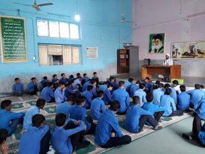 برگزاری نشست بصیرتی دانش آموزان دبیرستان باقرالعلوم به مناسبت هفته بسیج