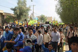 """فریاد شعار """"هیهات منا الذله"""" راهپیمایان رودانی در یوم الله ۱۳ آبان+عکس"""