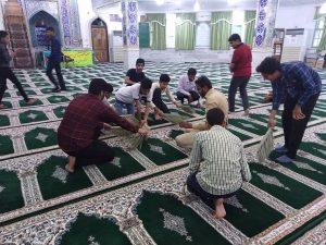 غبارروبی مساجد شهرستان رودان در آستانه ماه مبارک رمضان+عکس