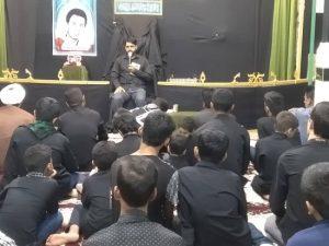برگزاری هرشب عزاداری به نیت یک شهیدمحله در حسینیه زنگزان رودان+عکس