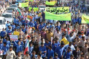 فریاد استکبار ستیزی مردم رودان در راهپیمایی یوم الله ۱۳ آبان+تصاویر