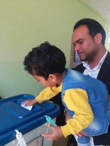 حضور مردم رودان در پای صندوق های رای/۱۰۵شعبه در رودان، آرا مردم را اخد می کنند