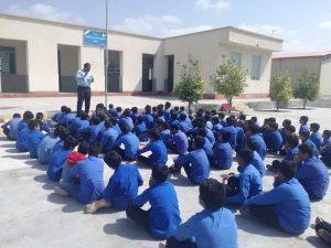 آموزش پیشگیری از ابتلا به ویروس کرونا برای دانش آموزان رودانی