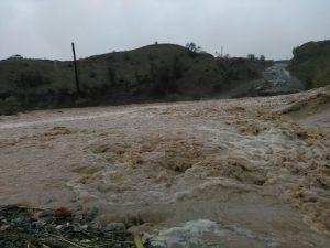 احداث پل بر روی رودخانه ماشنگی از جمله مطالبات جدی اهالی رودخانه هرمزگان/ وعده نوبخت هم دردی را دوا نکرد