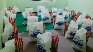 توزیع بیش از ۱۳۰ بسته معیشتی بین نیازمندان توسط بسیج دانشجویی رودان