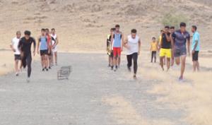 سالهاست مسئولین برای احداث پیست دوومیدانی فقط قول می دهند/دوندگان مدال آور رودانی در زمین های خاکی تمرین می کنند