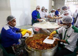 توزیع بیش از هزار پرس غذای گرم در کانون نینوا بخش بیکاه رودان