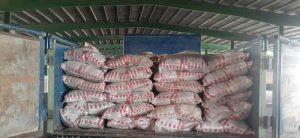 توزیع ۵تن برنج و ۳ تن شکر با قیمت بازرگانی در فروشگاه منصف رودان